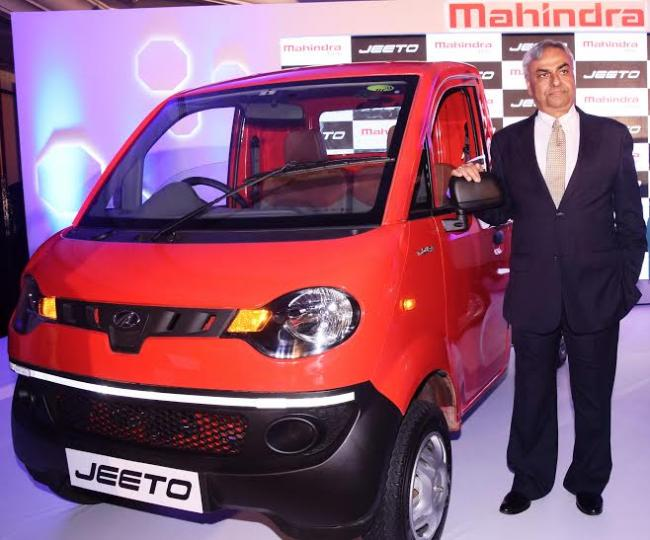 Mahindra launches all new mini-truck 'Jeeto' in Mumbai