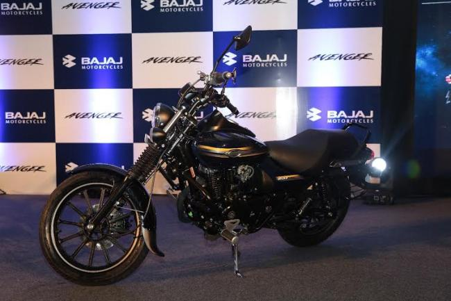 Bajaj Auto aims to sell 3,00,000 three wheelers in FY17