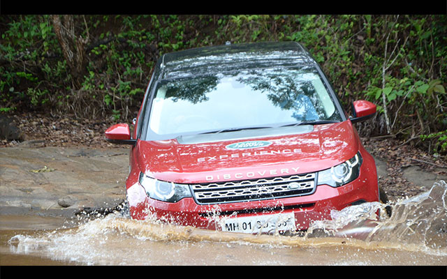 Land Rover anounces off-road drive experience for customers in Chennai