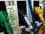 Petrol crosses Rs 77 mark in Mumbai