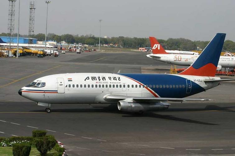 Alliance Air flags-off its daily direct Ahmedabad–Kandla flight under UDAN-RCS