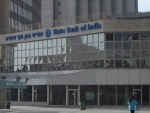 State Bank of India declines by 4.46 pc to Rs 194.90