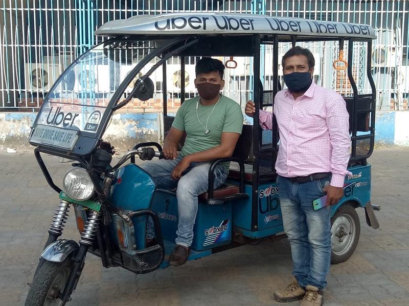Uber launches 500 E-rickshaws in Kolkata