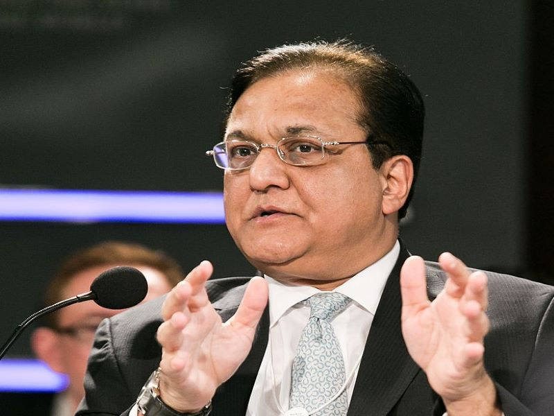 ED attaches Yes Bank founder Rana Kapoor's properties worth Rs 1,400 cr
