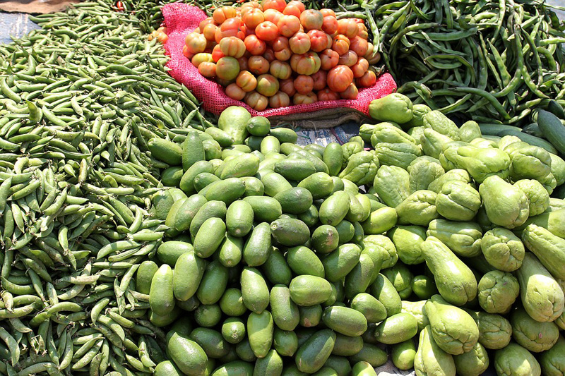 India's retail inflation drops by 4.35 pct in September