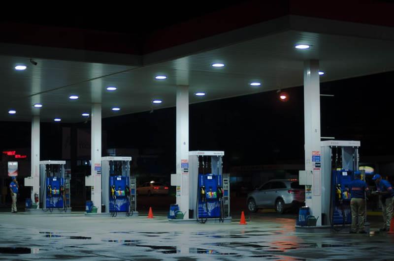 Petrol price in Mumbai crosses Rs 102