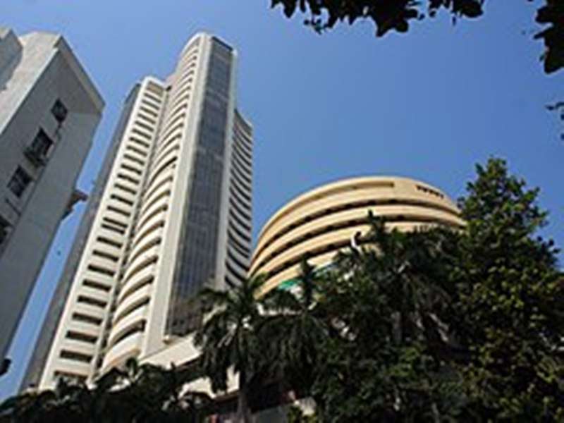 Sensex elevates to a record high of 61,305.95 pts at Closing Bell