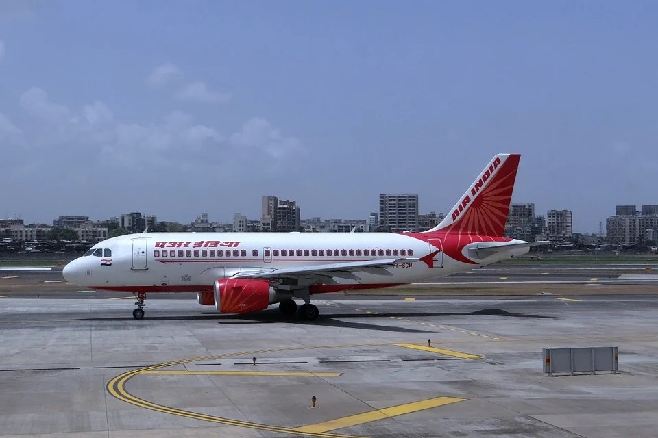 Air India sale now touches final lap, financial bids received: DIPAM
