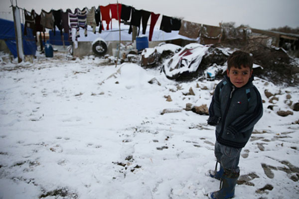As cold weather approaches, UN agencies cross frontlines of Syrian conflict with critical aid