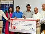 Tata Steel's distributors contribute Rs 1.1 cr to Tata Medical Centre