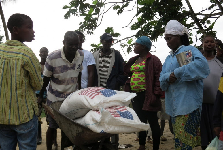 Ebola: UN relief chief allocates $4 million to bolster aid deliveries in West Africa