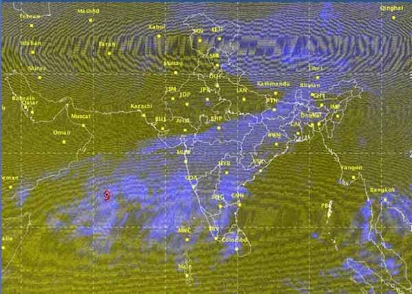 Gujrat braces for cyclone Nilofar