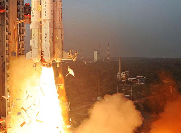 ISRO sets new milestone : Launches record 20 satellites in one go