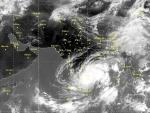 Cyclone warning for Andhra Pradesh and Odisha, heavy rainfall likely