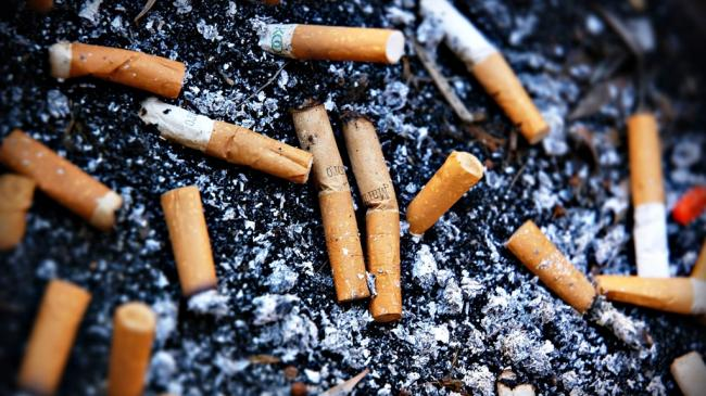Cancer survivors who quit smoking sooner can live longer