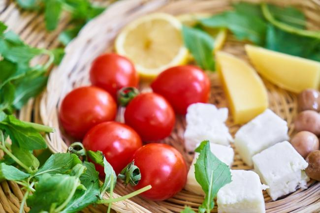 New study confirms Mediterranean diet prevents a leading cause of blindness