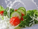 Eating leafy greens could help prevent macular degeneration : Study