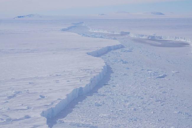 Massive Antarctic iceberg spotted on NASA IceBridge Flight