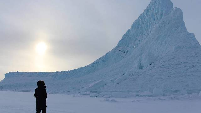 NASA gets up close with Greenland's melting ice