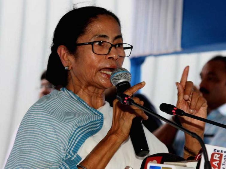 Get back to work in four hours: Mamata tells striking doctors
