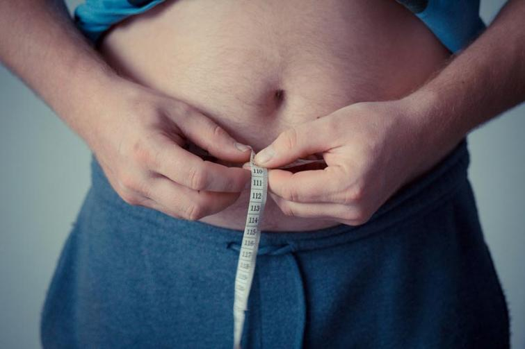 Overweight before age 40 increases the cancer risk: Study