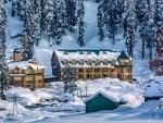 Upper reaches receive snowfall, rain lashes plains in Kashmir