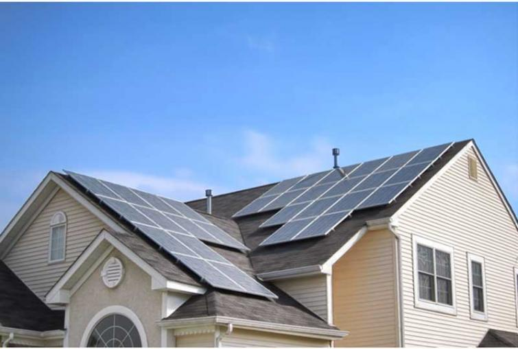 How Solar Energy Helps You Survive Summer
