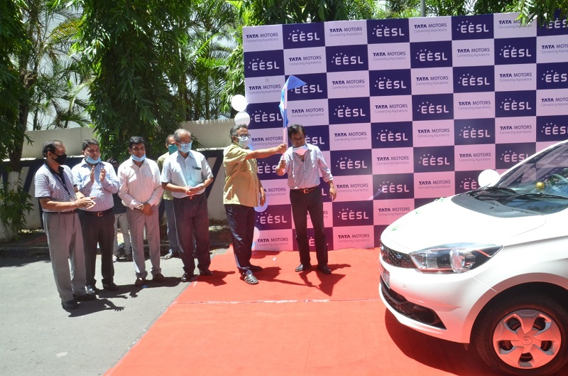 WBSEDCL introduces electric vehicles to reduce air pollution