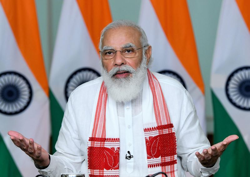 PM Modi interacting with 7 CMs (Image Credit: UNI)