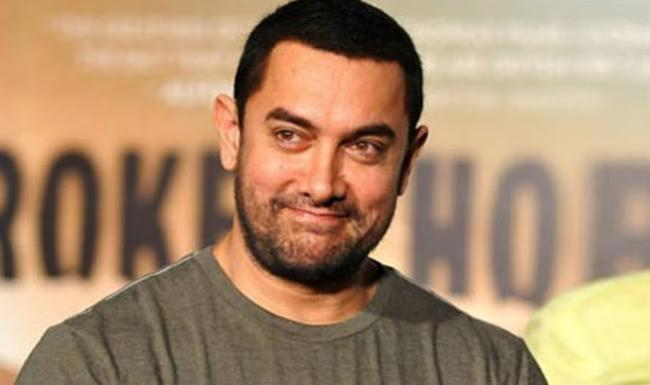 Aamir Khan lauds District Officials for Swachh Bharat Mission