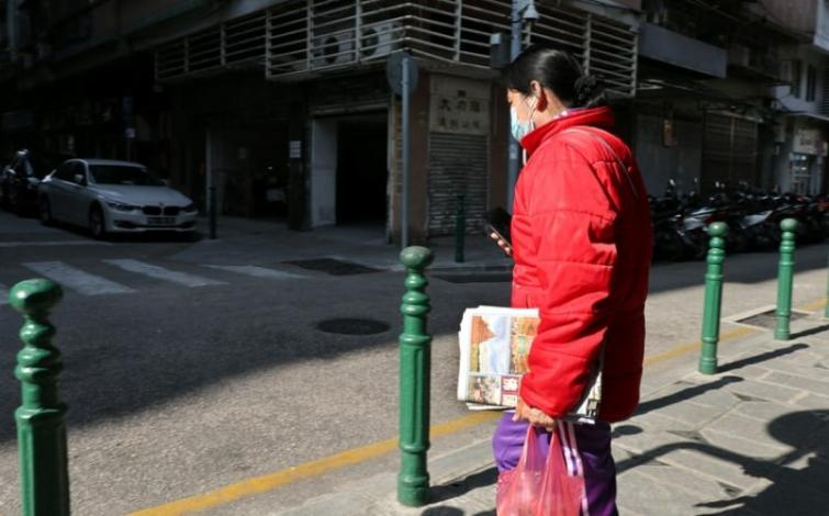 Coronavirus outbreak continues to disrupt normal life in China