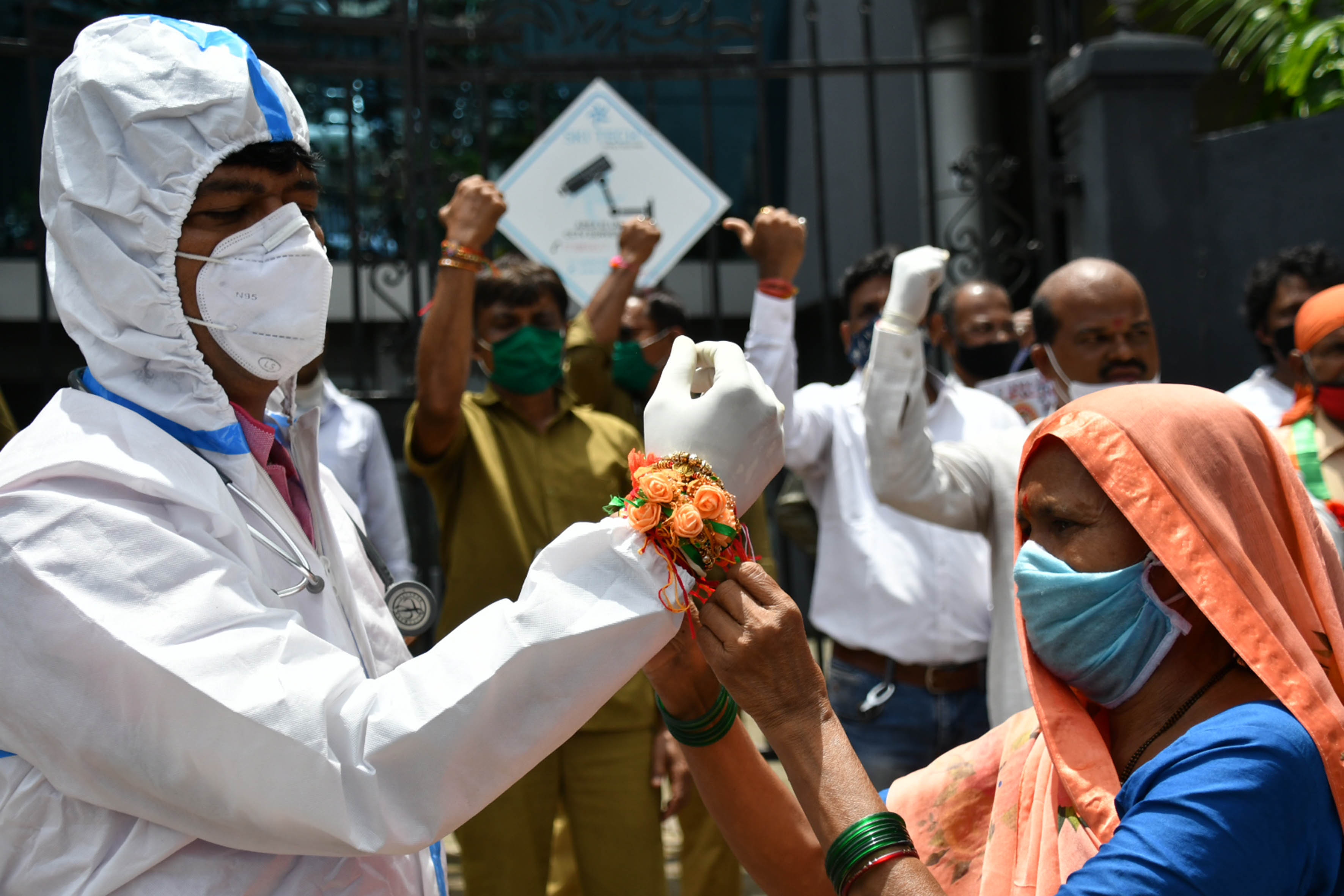India registers 52,050 new COVID-19 cases, death toll touches 38938