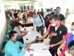 India continues to see dip in COVID cases, reports 43,071 new infections