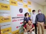 Kolkata:101-year-old man takes COVID-19 vaccine shot at CMRI