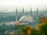 Pakistan warns of closing down major cities if cases continue to rise