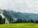 Heat wave returns even though night temperature below normal in Kashmir