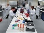 UK to offer AstraZeneca vaccine's alternative to people below 30 yrs over concerns of blood clots