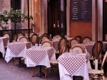 France wants restaurants defying Coronavirus restrictions to be suspended from state aid