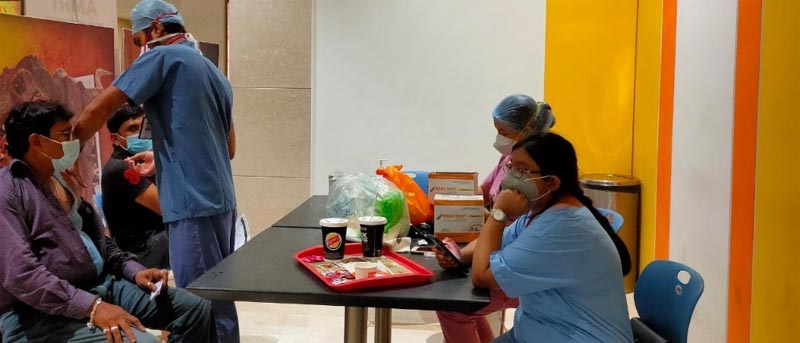 Kolkata's Acropolis conducts walk-in vaccination with AMRI , Mukundapur