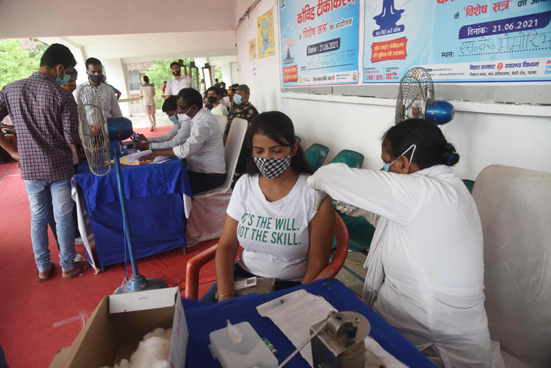 India registers 30,256 COVID-19 cases in past 24 hours