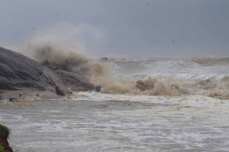Cyclone Tauktae: One fisherman dies and five others go missing after a tug boat capsizes near Mangaluru