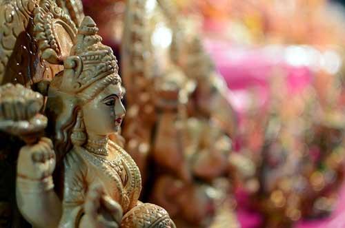 Bengalis welcome Goddess Lakshmi today