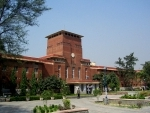 Delhi University capitulates, agrees to 3-yr course