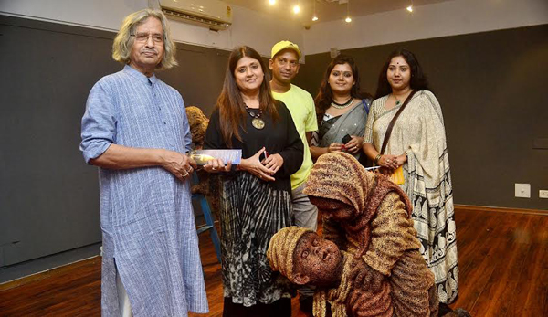 Gallery Sanskriti hosts exhibition of Ashoke Mullick, Nantu Behari Das' works