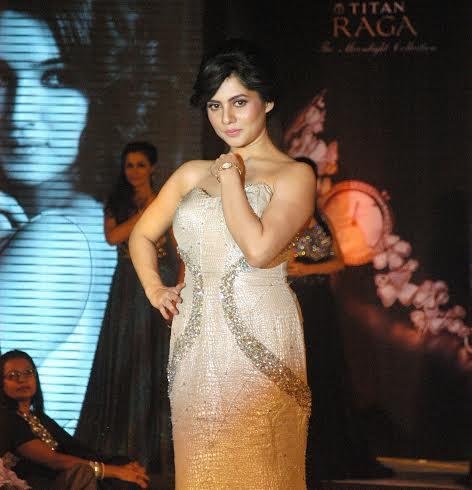 Actress Payel Sarkar unveils the stunning Moonlight collection by Titan Raga