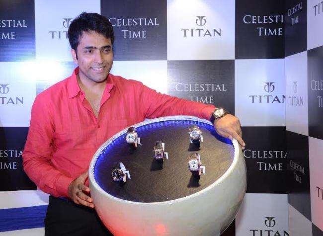 Actor Abir Chatterjee unveils Titan's new collection in Kolkata