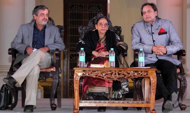 Shashi Tharoor attends Apeejay Kolkata Literary Festival