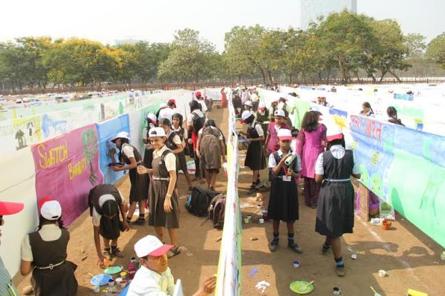 Kokuyo Camlin along with kids put together world's longest canvas