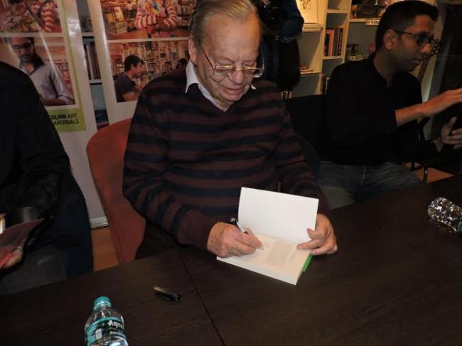 Ruskin Bond meets his young and adult readers at STORY in Kolkata