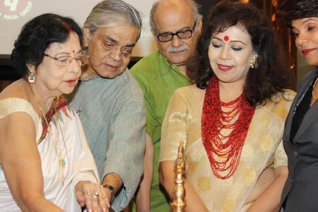 Kolkata-based women's forum pays respect to Indian film director Satyajit Ray